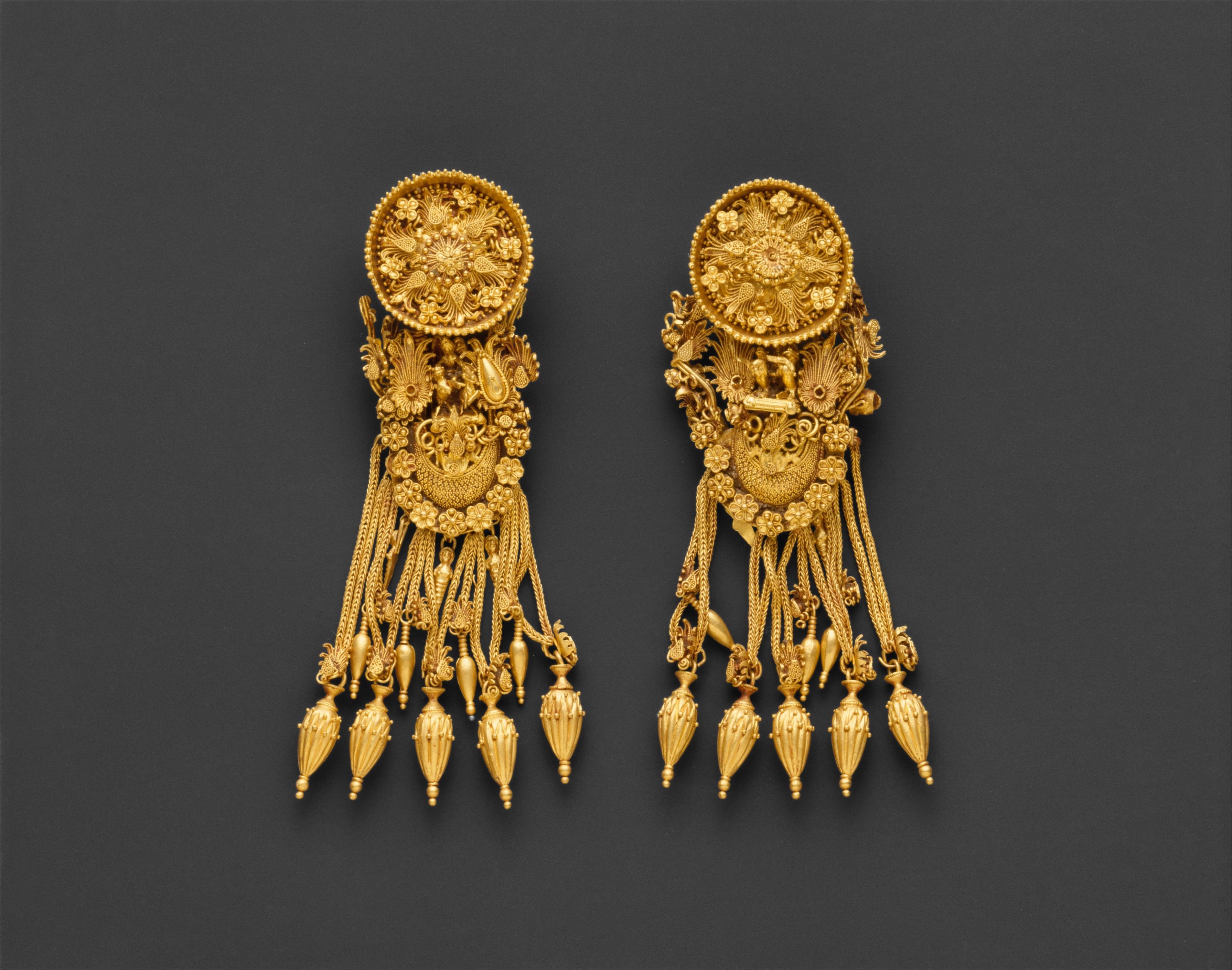 Gold Earrings Greece 300 B C 171 Bearkillers